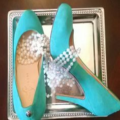 Ivanka Trump Suede Pumps These plush mint green suede pumps will put a spring in your step!  In excellent condition with only a minor hint of wear. Insoles and heels are pristine and color is vibrant & bold. Ivanka Trump Shoes Heels