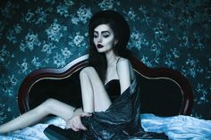 Wallpaper and bedframe. Dark Photography, Portrait Photography, Underground Creepers, Creeper Style, Heroin Chic, Skinny Love, Skin And Bones, Anorexia, Poses