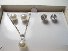 Very Pretty Silvertone Faux Pearl necklace and 2 Pair Pierced Earrings Set, SAG #SAG