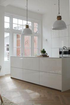 Home Interior Salas .Home Interior Salas Rustic Kitchen Design, White Kitchen Decor, Interior Design Kitchen, Interior Modern, Modern Luxury, Home Design, Casa Milano, Country Look, Classic Kitchen