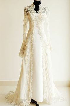 Long sleeve lace wedding dress #weddingdress #bridal #ウエディングドレス
