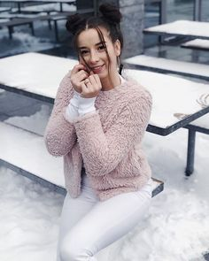 sylwia lipka (@sylwialipka_music) • Zdjęcia i filmy na Instagramie Youtube S, My Sunshine, Ariana Grande, Best Friends, Singer, Pullover, Actors, People, Sweaters
