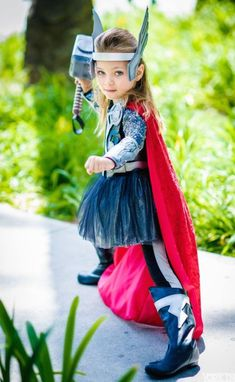 """Lady Thor from Marvel Universe """" Cosplay Thor Cosplay, Costume Thor, Female Thor Costume, Cosplay Girls, Easy Superhero Costumes, Costumes Avengers, Diy Girls Costumes, Family Halloween Costumes, Super Hero Costumes"""