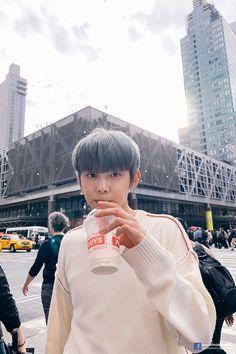 「️𝙥𝙨𝙮𝙘𝙝𝙤𝙥𝙖𝙩𝙝」️{YeonJun y tú} K Pop, Kai, K Wallpaper, Apple Wallpaper, March 4, The Dream, Boyfriend Material, K Idols, Korean Boy Bands