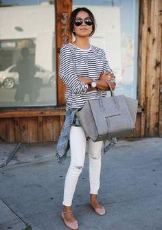 Streifenshirt kombinieren: Cool in Kombination mit weißer Jeans und Jeansjacke