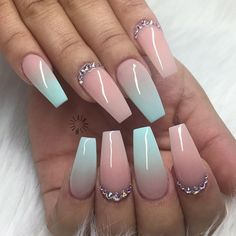 Inevitable Coffin Nail Designs for Gallery 2018 - Nageldesign - glitter nails summer Cute Acrylic Nails, Acrylic Nail Designs, Cute Nails, Pretty Nails, Nail Art Designs, My Nails, Ombre Nail Designs, Acrylic Ombre Nails, Bling Nails