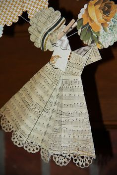 Isa Creative Musings: Paper Garlands and Dresses Paper Dress Art, Paper Dresses, Doll Dresses, Mini Dresses, Origami Vestidos, Book Crafts, Arts And Crafts, Paper Art Projects, Diy Projects