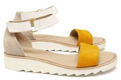 Chaussures Femme Sandales Printemps Ete 2015 Maurice Manufacture BONNIE Cuir poil ras Jaune soleil - Chèvre velours sable