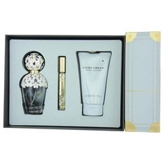 Just in ... Marc Jacobs Gift ... & Flying out the door! http://www.zapova.com/products/marc-jacobs-gift-set-marc-jacobs-daisy-dream-by-marc-jacobs?utm_campaign=social_autopilot&utm_source=pin&utm_medium=pin
