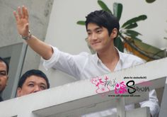 byeee Choi Siwon, Perfect Man, Letting Go, Celebs, Singer, Actors, Celebrities, Lets Go, Singers
