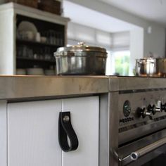 Leather Handles from Nu Interieur Ontwerp in Delft
