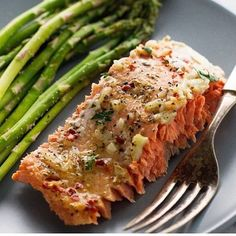 Garlic Butter Baked Salmon In Foil! Made by @LittleSpiceJar Ingredients 1¼ lb sockeye or coho salmon (preferably wild caught) 2 tbsps lemon juice 2 cloves garlic, minced 2 tbsp cold butter, cubed ½ tsp salt ¼ tsp black peppers ¼ tsp Italian seasoning ¼ red pepper flakes 1 tablespoon chopped parsley, for garnishing (optional) Directions Position a rack in the center of the oven and preheat the oven to 375ºF. In a saucepan over medium heat, combine the lemon juice and minced garlic, allow the…