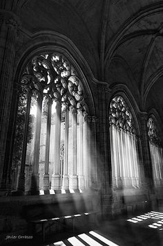Cathedral of Segovia. Architecture Antique, Beautiful Architecture, Art And Architecture, Cathedral Architecture, Classical Architecture, Gothic Aesthetic, Slytherin Aesthetic, Paradis Sombre, Arte Obscura