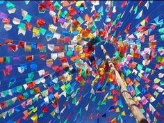 A festa conta com as tradicionais barraquinhas de comida e atividades.