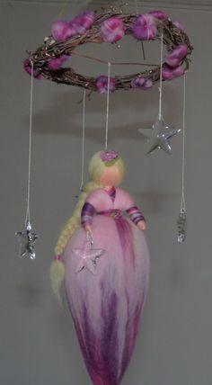 Deko-Objekte - Sterntaler Elfe aus Märchenwolle Mobile - ein Designerstück von Holzwolle-Spielkunst bei DaWanda