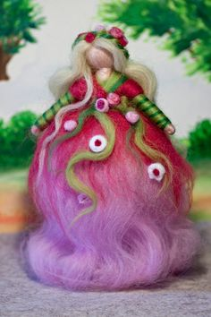 Fee aus Märchenwolle, wool fairy, fairy, felt, wool, craft, jahreszeitentisch, märchenwolle, waldorf -- Pretty!! Love the colors!