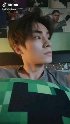 Winwin, Kpop Gifs, Nct Album, Nct Group, Sarada Uchiha, Nct Life, Aesthetic Songs, Nct Taeyong, Jaehyun Nct