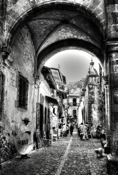 Calle del Arco: Taxco Mexico. Home of silver.