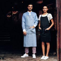 高いファッション性だけでなく、使いやすさにもこだわられて作られたHAKUÏのユニフォームは、おしゃれなレストランやカフェなどにも採用されています。