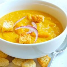 Delicious and healthy (vegetarian) Roasted Acorn Squash Soup