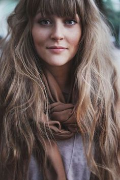 Wavy hairstyle for long hair with bangs #wavyhairstyle