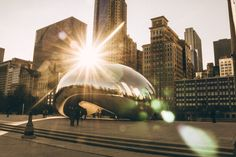 35 Free Things to Do in Chicago, including top museums, outdoor activities, cultural visits, sporting events, family fun, and special events year round.