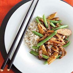 Seitan Stir-Fry with Black Bean Garlic Sauce Pasta and Grains | Cookinglight.com
