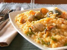 Risotto with cockles and shrimps Croatian Recipes, Italian Recipes, Food Alphabet, Seafood Risotto, Diet Recipes, Healthy Recipes, Recipe Cover, Hispanic Kitchen, European Cuisine