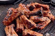 Vepřová žebírka glazovaná pivem Grill Oven, Ribs On Grill, Thing 1, Ipa, Chicken Wings, Barbecue, Catering, Grilling, Bacon