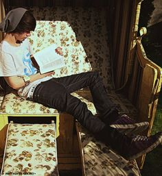 Asdfghjkl guys who gets lost in books are AMAZINGG