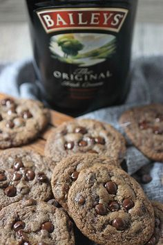 Bailey's Irish Cream Chocolate Chip Cookies, y'all! Soft baked cookies with chocolate chips in every bite, plus a generous pour of Bailey's Irish cream. Chocolate Chips Cookies are now boozy! www.mind-over-batter.com