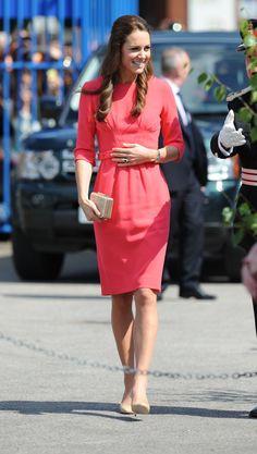 Pin for Later: Kate Middleton hat sich in diesem Jahr selbst übertroffen Ein weiteres Kleid von Goat präsentierte die Herzogin in London im Juli.