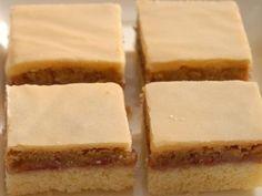 Orechový koláč so žĺtkovou polevou: Nemusí hýriť farbami, chuť je ale výborná Cheesecake, Ale, Food, Cheesecakes, Ale Beer, Essen, Meals, Yemek, Cherry Cheesecake Shooters