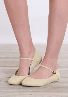 Simple pale yellow #flats