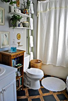 Meghan's $10 Bathroom Floor Makeover   Apartment Therapy