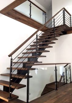 7 Modern Staircase Ideas With Varied Sample_modern staircase runner Staircase Ideas Ideas Modern Runner Samplemodern Staircase Varied Staircase Runner, New Staircase, Floating Staircase, Staircase Railings, Wooden Staircases, Staircase Ideas, Staircase Metal, Modern Railing, Modern Stair Railing