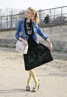 Julia Frakes, Paris Fashion Week S/S 2009 Flashback