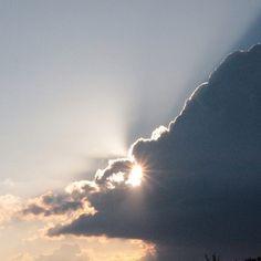 Gewitterwas für eine schöne Abkühlung #gewitter#himmel#wolke#clouds#natur#naturschaupiel#regen#sonne#