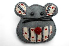 Felt Mouse Brooch in Grey,