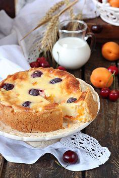Цветаевой пирог с абрикосами и черешней