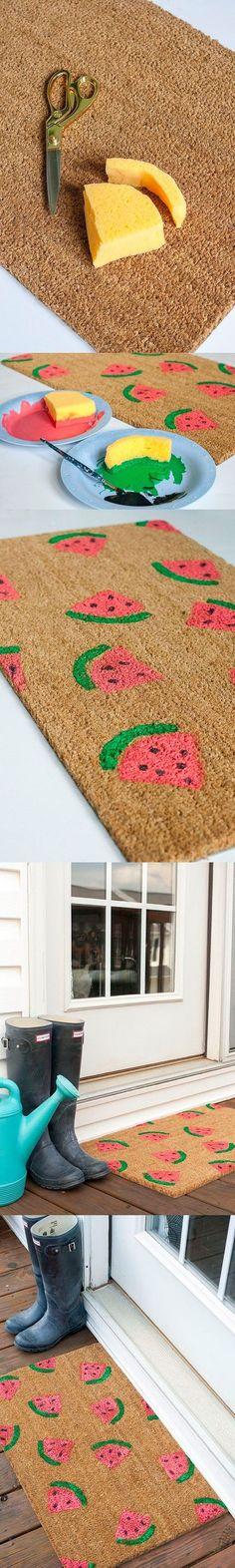 Felpudo con estampado DIY - ehow.com - DIY Stamped Watermelon Doormat