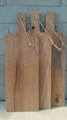 Unieke broodplank gemaakt van oude eiken wagondelen: http://link.marktplaats.nl/m899297434