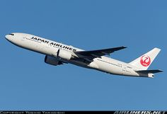 Boeing 777-289 aircraft picture