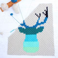 CORNER TO CORNER CROCHET DEER AFGHAN  FREE C2C PATTERN  Jess from the blog Make & Do Crew shares a free pattern with a ton of amazing pics through the link HERE. Super awesome right?