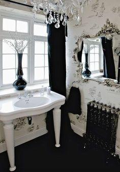 Desde a sua popularização na Era Vitoriana, o design gótico ganhou uma releitura moderna. Confira como desfrutar de uma decoração gótica e inspire-se!