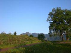 菰野町大羽根園地区「散歩風景、御在所岳」平成25年5月17日撮影