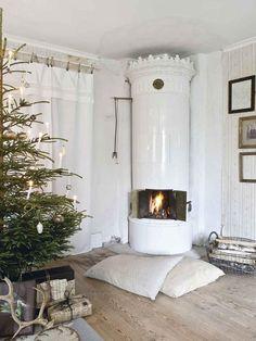 Round Barn Potting Company: Jeanne d'Arc Living ~ Christmas 2010