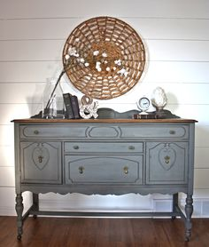 Antique Grey Buffet #DIY #furniturepaint #paintedfurniture #grey #chalkpaint #buffet #shabbychic #countrychicpaint - blog.countrychicpaint.com