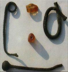 Fossa Nera A (Porcari - Lu) FNA bronzo e ambra (1200-1000ac)
