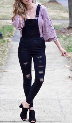 Cute Outfit Idea: Bell Sleeves Top with Overalls
